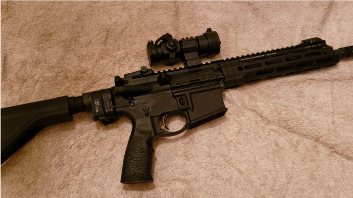 Daniel Defense DDM4 V7P 300 Blackout stock