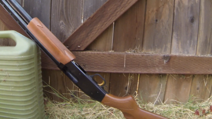 Mossberg 500 Pump-Action Shotgun magazine