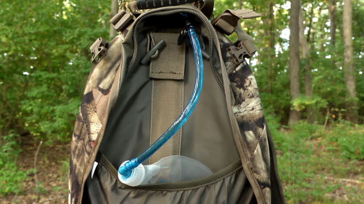 ALPS OutdoorZ Pursuit Hunting Pack hydratrion pocket