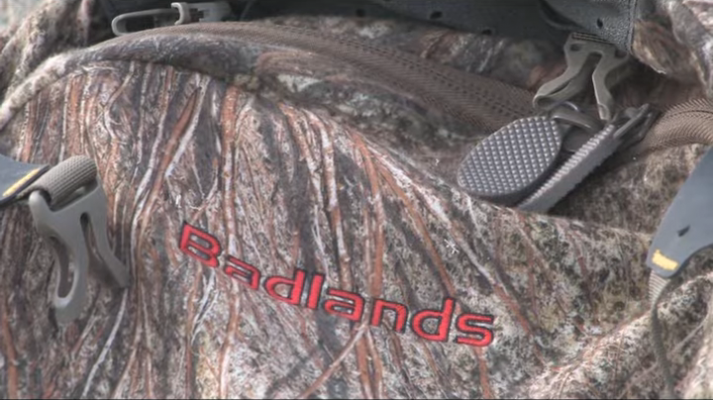 Badlands 2200 zipper