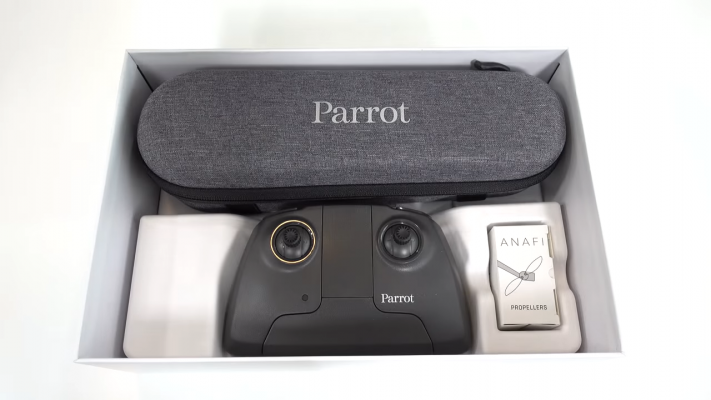 Parrot ANAFI Base Controller in Case